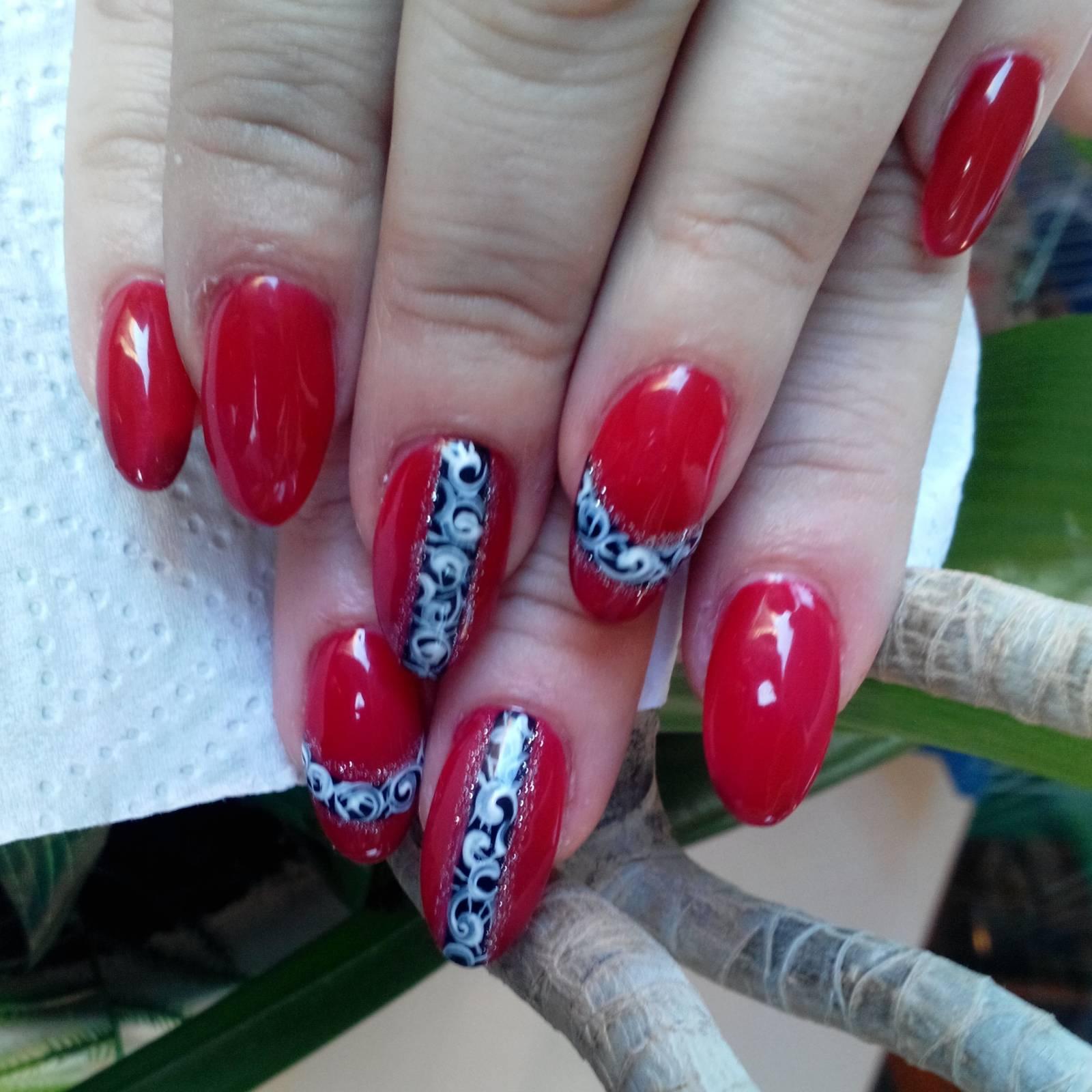 Нарощенные ногти фото красный гель